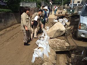 8月21日安佐南区緑井の被災現場